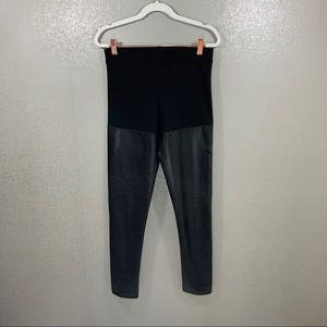 ✨3 for $20 H&M Black Faux Leather Leggings